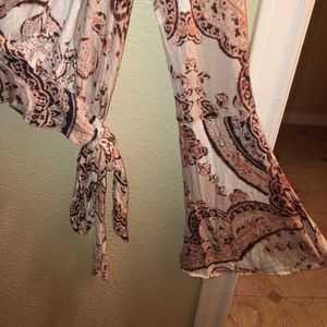 Free People Tops - FREE PEOPLE casual tie open front printed blouse